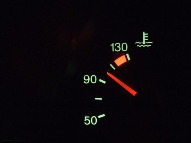Указатель температуры двигателя на панели приборов ВАЗ-2114